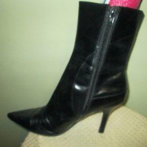 Nine West NWBlushy  Black Pointed Toe Leather 8M